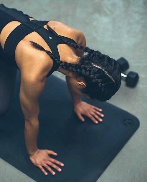 Chciałbym się zapisać na siłownię i jeśli chcę spalić tkankę tłuszczową to powinnam wykonywać ćwiczenia na maszynach czy cardio?
