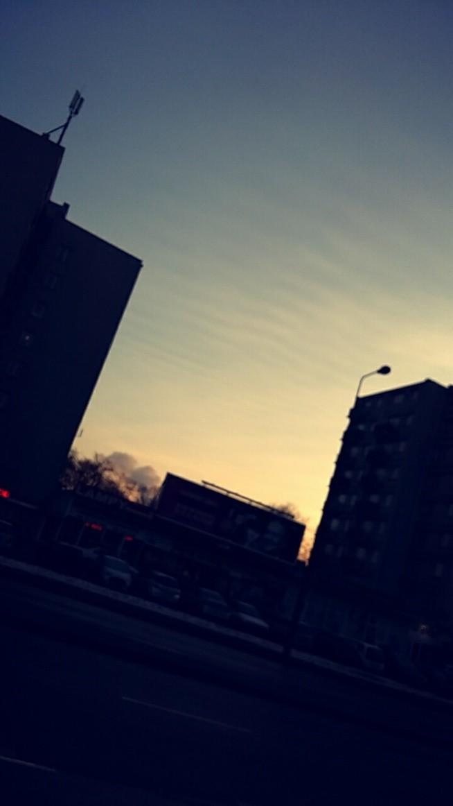 Poranki zbyt zimne by wstawac... Życie zbyt krótkie by leżec... Chwytajmy chwile zamin przeminą