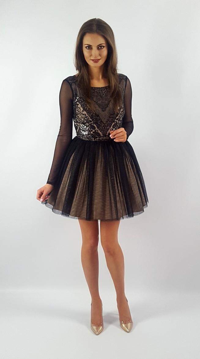 Tiulowa sukienka z długim rękawem i gipiurową górą Illuminate <3 <3 <3