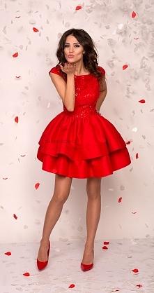 Red dress, sukienkowo