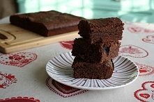 Najlepsze brownie - wg. Gordona Ramsay'a.245 g gorzkiej, posiekanej czek...