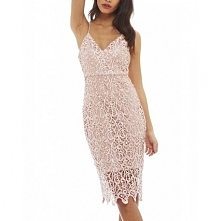 Pastelowa różowa koronkowa sukienka midi na ramiączkach