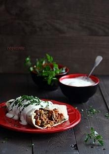 burrito z warzywami i fasolą
