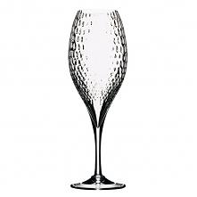 Oryginalny kieliszek do szampana wykonany ze szkła ozdobionego niebanalną fakturą.
