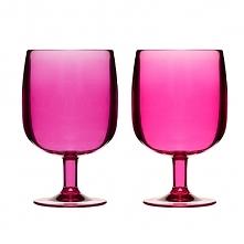 Kolorowe kieliszki od Sagaform znakomicie sprawdzą się podczas serwowania zimnych napojów i orzeźwiającej lemoniady.