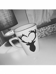 Deer, heart. Kubek ręcznie malowany