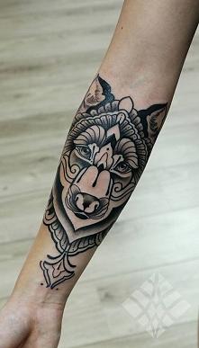 Wilk symbolizuje dzikiego d...