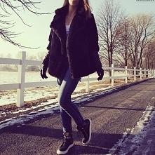 Kurtka Damska Futerko + Skóra z Dużym Kołnierzem wiązana Paskiem Hit Najnowszy Model na Zimę Wiosnę 2017 model #115 w sklepie FashionAvenue.PL