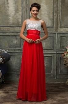 Idealna sukienka na studnió...
