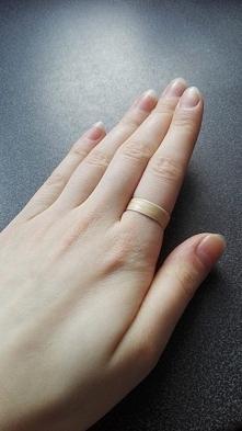 pierścionek z drewna klonu