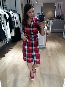 Sukienka w kratę dostępna w Kobiecowo Butik