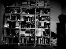 swiatelka z choinki zdjete, to mozna przyozdobic biblioteczke