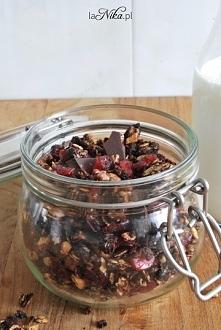 Granola czekoladowa. Idealna do mleka lub jogurtu. Bardzo prosto się robi :) ...