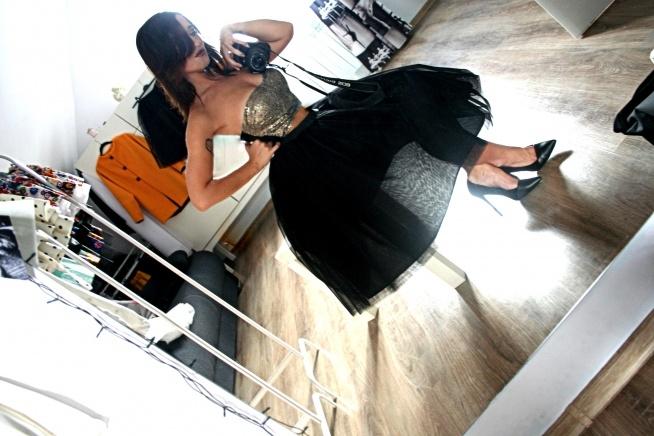 czarny tiul! <3  w sprawie takiej spódnicy - pisz na ajmadatelier@gmail.com ! *.*