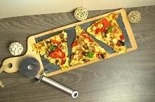 Pizza z kalafiora :) Zaskakuje smakiem ! :)