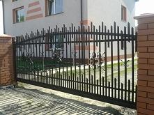 solidne i eleganckie ogrodzenie