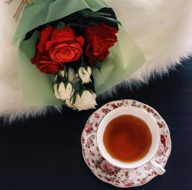 """""""Gdzie jest herbata tam jest nadzieja.""""             Regina Helker"""