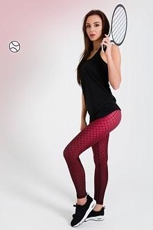 Legginsy sportowe w kolorze bordowym. Bordowe legginsy na siłownie to idealny kolor dla dziewczyn z ciemniejszymi włosami.