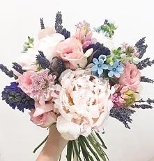 Portal Weselnapolska_pl Bukiety, kwiaty na ślub, inspiracje i pomysły.