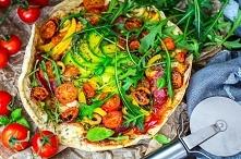 Zdrowa, bezglutenowa pizza. Przepis na blogu, prosta i smaczna.