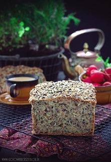 chleb wieloziarnisty na drożdżach, przepis po kliknięciu w zdjęcie.