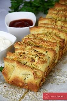 Odrywany chlebek czosnkowy :)