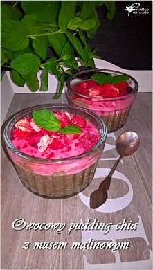 Owocowy pudding chia z muse...