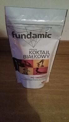 Jednak zdecydowałam się na Fundamic, przetestuje i zobaczymy jak się sprawuje ten koktajl białkowy;)