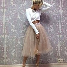 Rozkloszowana spódniczka tiulowa - Kliknij w zdjęcie aby zobaczyć więcej