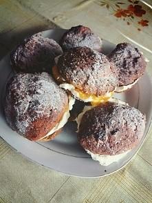 Jak tłusty to i słodkości, jak narazie domowe a'la pączki serowe z nadzi...