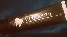 Czarna pasta do zębów z węg...