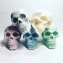 świeczki czaszki :3