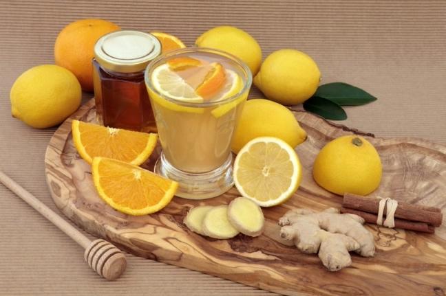 Jak zrobić wodę z cytryną żeby schudnąć