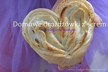 Domowe drożdżówki z serem w kształcie serca