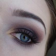 Brązowe smokey eye. Zapraszam na bloga ==>> piekno-po-mojemu.blogspot.com/