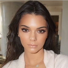 Kendall Jenner  IG: @kendalljenner