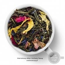 """Herbata Biała z dodatkami """"Coco Chanel"""": kawałki papai, jabłek, jagód morwy, kwiatów nagietka, jaśminu i chabru. Kupić herbatę można w sklepie onemorecup.pl"""