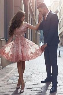 Rozkloszowana sukienka ślub