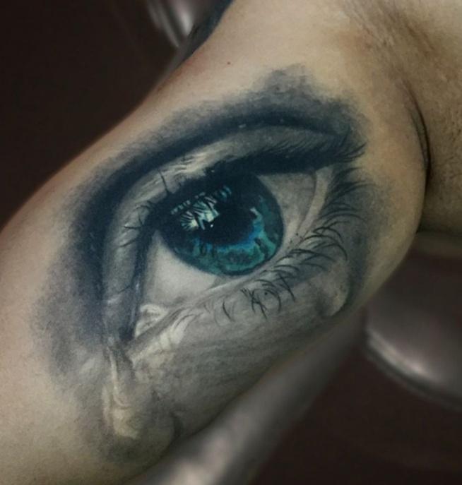 płacz tatuaż