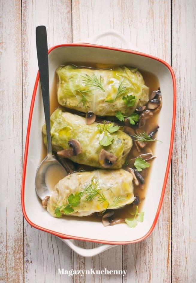 gołabki z kaszą jęczmienna i sosem pieczarkowym, przepis po kliknięciu w zdjęcie.