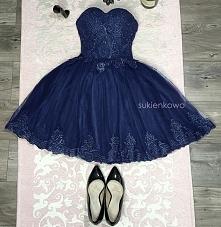 Cudowna granatowa sukienka gorsetowa z tiulem i koronkami sukienkowo