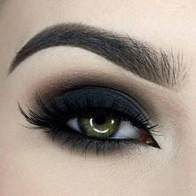 Niesamowity makeup