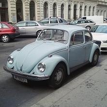 Moje autorskie zdjęcie! Kocham oldschoolowe samochody. Sama chciałabym mieć taki w przyszłości. Praga to cudowne miejsce!