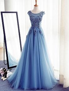 Piękne Sukienki Na Bal Stud...