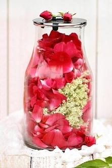 Syrop z czarnego bzu i róży  20 baldachów kwiatów czarnego bzu 100g płatków r...