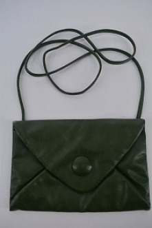 Zielona torebka. Odzież i d...