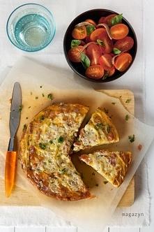 Serowa frittata z makaronem i boczkiem