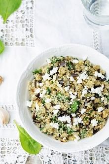 Salatka z quinoa, bakłażane...