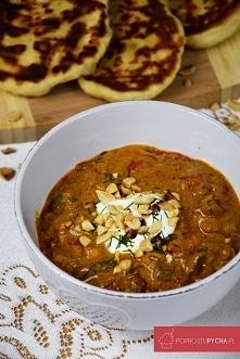 Curry z kurczakiem, warzywami oraz orzeszkami ziemnymi :)