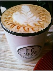 Piękna kawa, ja nie piję, ale są tacy, którym potrafi przywołać słońce nawet ...